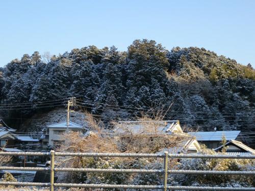 山も真っ白